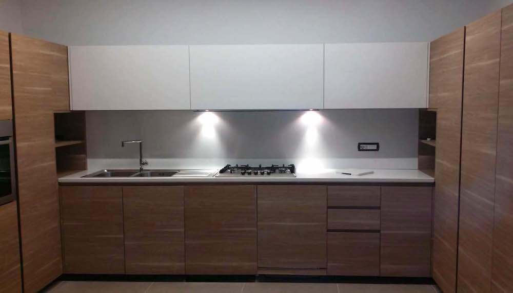 Lavorazione marmo e quarzo marmisti napoli top cucina in quarzo bianco assoluto - Top cucina stone ...